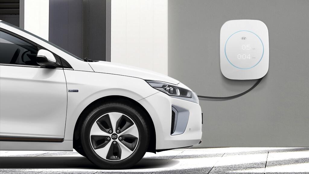 Mantenimiento cargador coche eléctrico